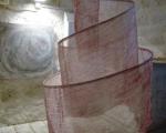 Spirale ROT / Handabrieb auf Stoff, Eisen / Torturm Markgröningen